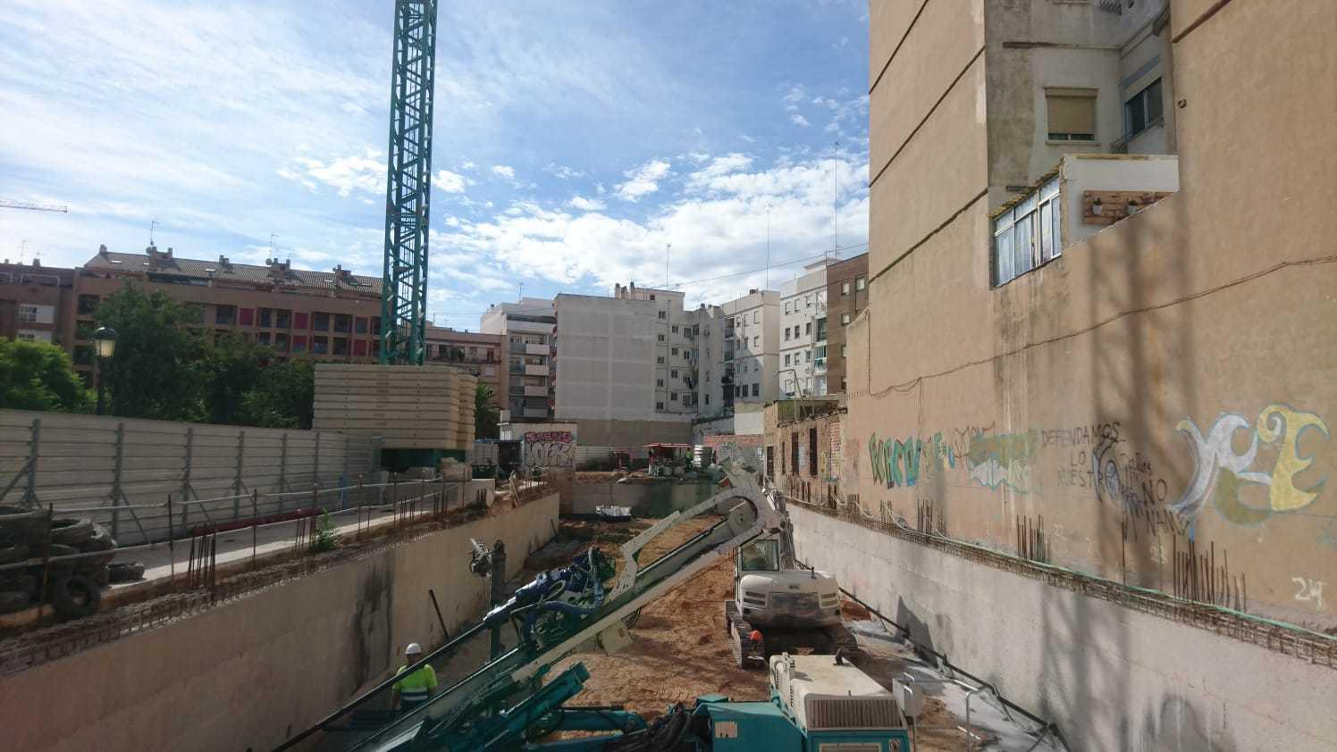 Primeros trabajos de construcción en la parcela de la promoción Parque Brasil Residencial