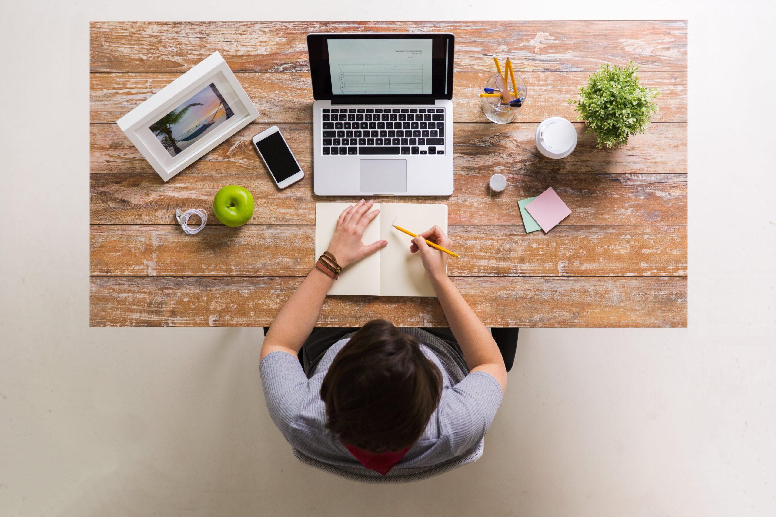 Ideas para crear tu despacho o pequeña oficina en casa